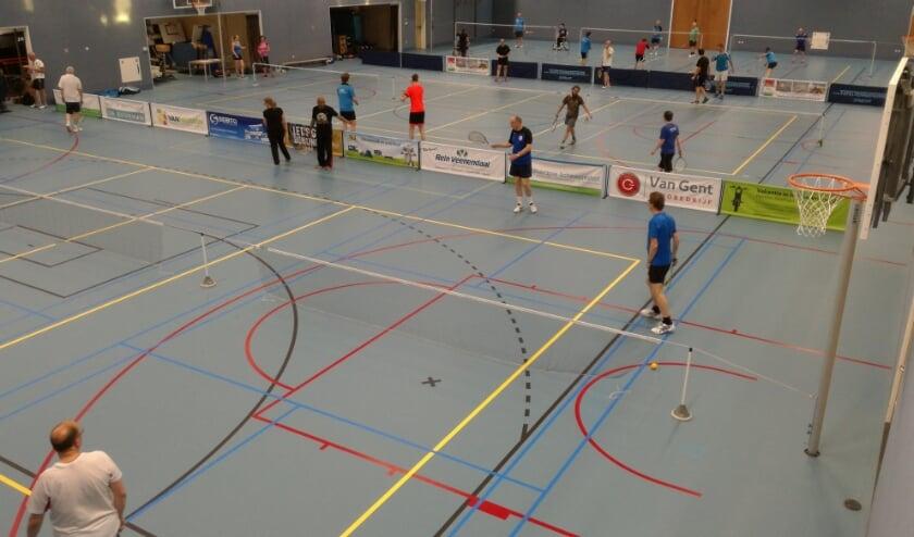 <p>Wijksportvereniging Dragonder Noord speelt in het Ontmoetingshuis. (Foto: Roland Halecor)</p>