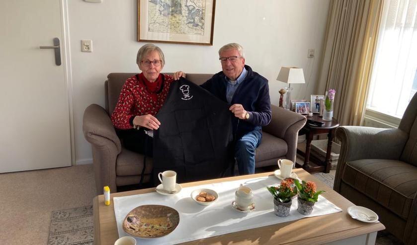 <p>Mantelzorgers Irma en Jo Collet uit Kloosterzande waren compleet verrast.</p>