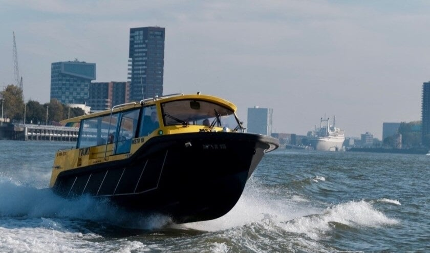<p>Vaart ie in 2030 op elektriciteit of waterstof? (Foto: Watertaxi Rotterdam)</p>