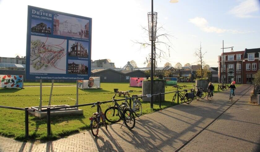 <p>Op het grasveld tussen het Remigiusplein en winkelcentrum De Passage komen woningen voor een- en tweepersoonshuishoudens.</p>