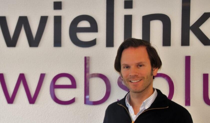 <p>Leendert Wielink, eigenaar van Wielink Websolutions, schenkt website aan goed doel.&nbsp;</p>