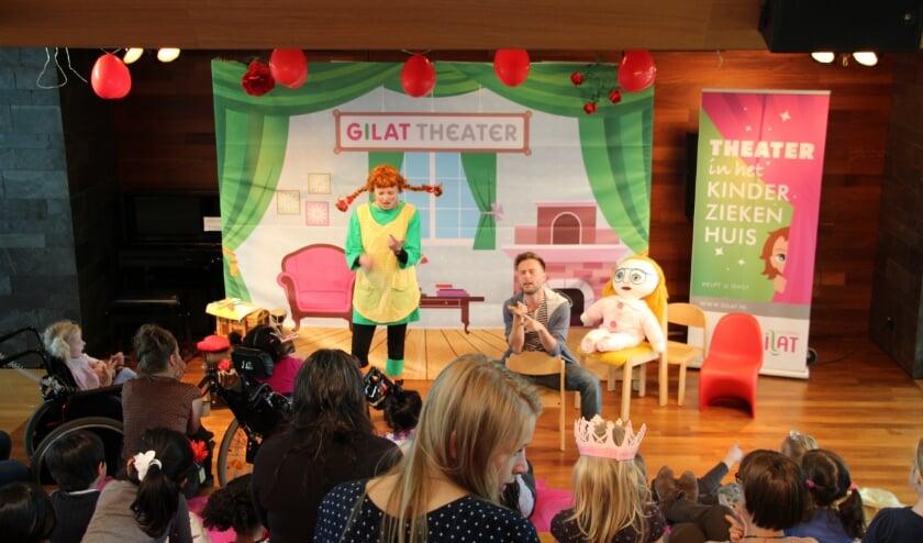 <p>Extra theatervoorstellingen voor ernstig zieke kinderen dankzij DeltaPORT Donatiefonds.</p>