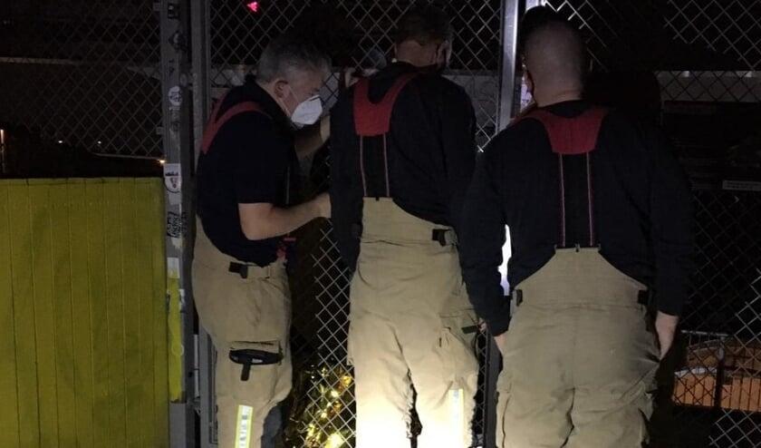 <p>De meisjes moesten door de brandweer bevrijd worden.</p>