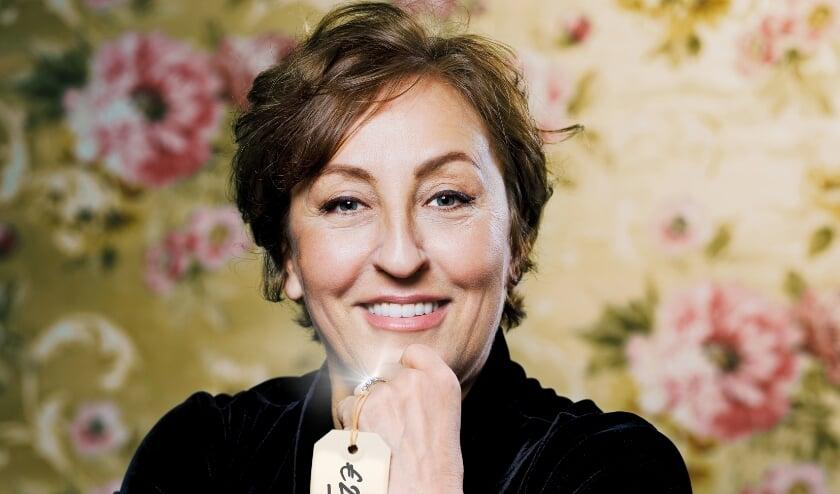 <p>Cabaretier Karin Bruers is op 15 januari te zien in De Brabanthallen. Voor kaarten en info ga je naar de website van het theater theateraandeparade.nl. &nbsp;Foto: Merlijn Doomernik&nbsp;</p>