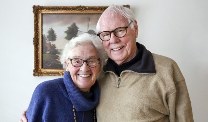 <p>Henk en Nellie zijn ook na 60 jaar nog gelukkig met elkaar. Foto: Jurgen van Hoof</p>