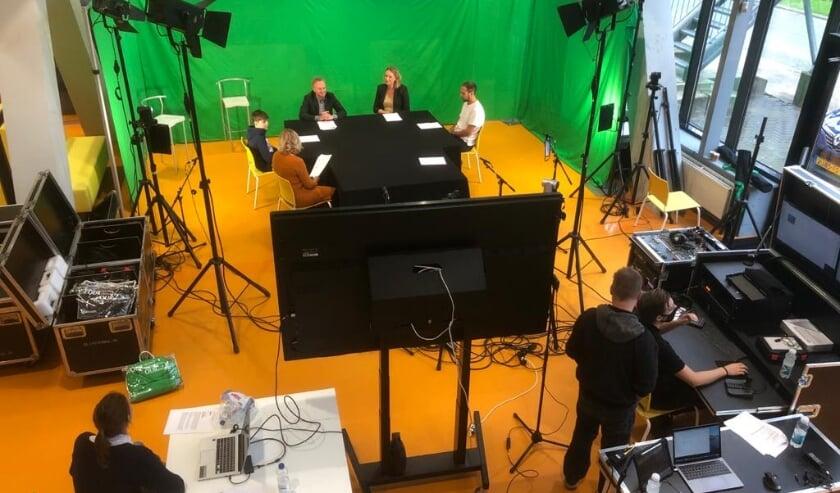 <p>De set van de talkshow tijdens de eerste editie.</p>