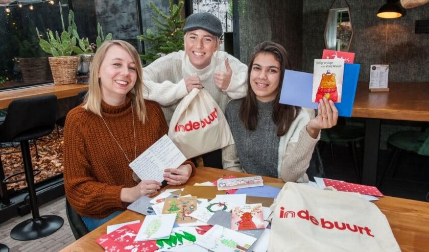 <p>Vorig jaar kwamen er veel inzendingen binnen voor de kerstkaartenactie van indebuurt. (foto: Sandra Zeilstra)</p>