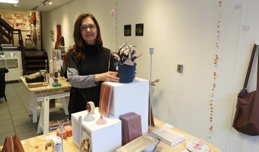 Natalie Vinke in de Makerswinkel XL