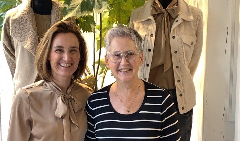 <p>Ineke Suij (rechts) van Modine en Lime women's wear in Axel sluit de deuren. Marcia (links) heeft een andere uitdaging gevonden.</p>