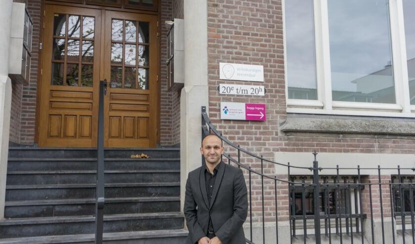 Youssef Boutachekourt bij het Centrum voor Jeugd en Gezin (CJG) in Veenendaal.