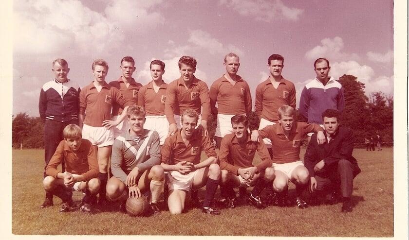 <p>Het eerste van Eilermark in 1963. De club bestaat 100 jaar en geeft een jubileumboek uit. (Foto: Eilermark)&nbsp;</p>