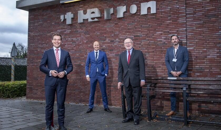 <p>Van links naar rechts: Martijn van Helvert, Sjors Apeldoorn, Pete Hoekstra en Steef Schreuder. </p>