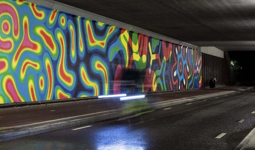 <p>Het viaduct aan de Welschapsedijk omgetoverd tot een lichtkunstwerk. (Foto: Pim Bens).</p>