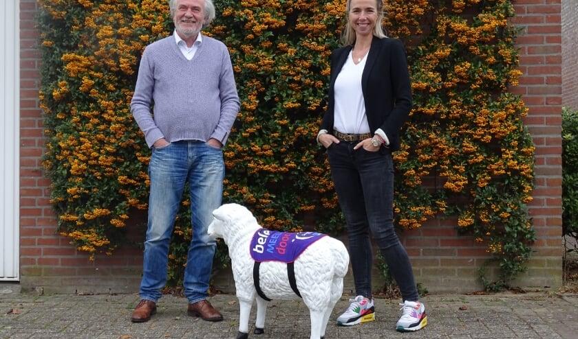 <p>SamenLoop-ambassadeur Sjiep (midden) met Anke Swinkels (LIEVR Yoga) en René van Eck (Foto: KWF SamenLoop Geldrop-Mierlo).<br><br></p>