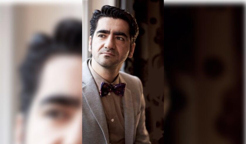 <p>Stel je vragen aan schrijver Murat Isik.</p>