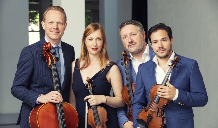 <p>Het Matangi Kwartet speelt donderdag 26 november twee maal met Carel Kraayenhof in een uitverkocht Kulturhus EGW. Foto: Studio Oostrum</p>