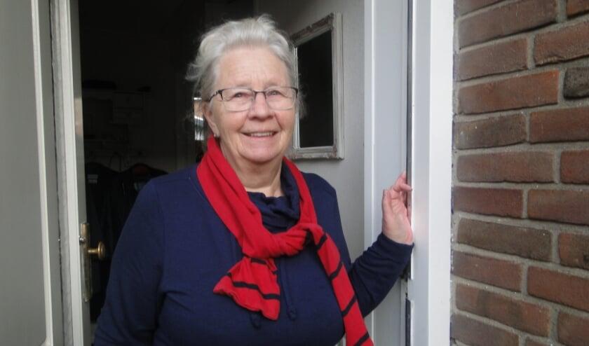 <p>Mevrouw Stolze is een tevreden inwoonster van Doornspijk.</p>