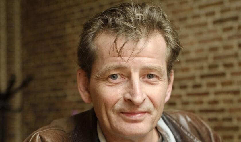 <p>Frank van der Schee zet zich dagelijks in voor daklozen en als ervaringsdeskundige weet hij maar al te goed waar de hulp nodig is. (Foto: Remco Zwinkels)</p>