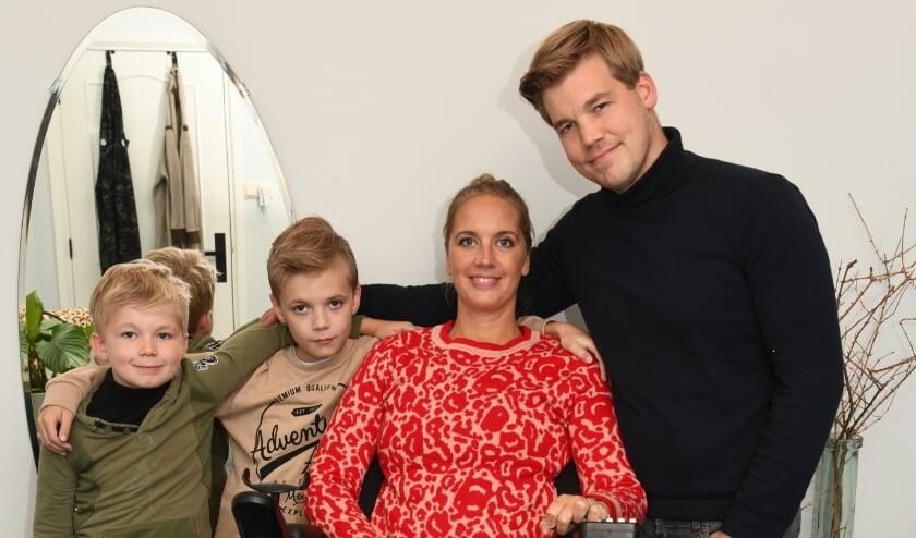 <p>Rianne Scholman met haar man Bart en de kinderen Boaz en Ben.&nbsp;</p>