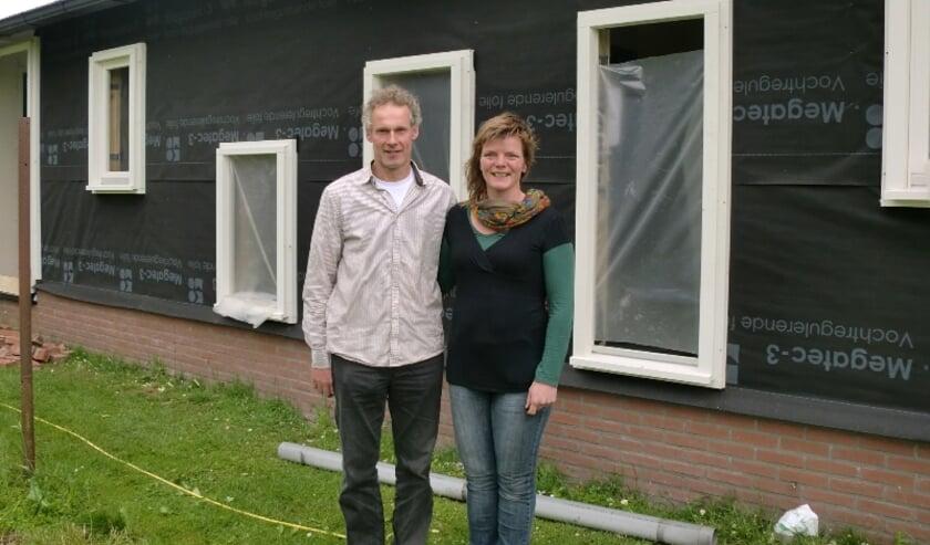 <p>Gerrit en Johanna Stam van KDV De Vossebelt: &#39;&#39;BSO-bus is veilig&#39;&#39;.</p>