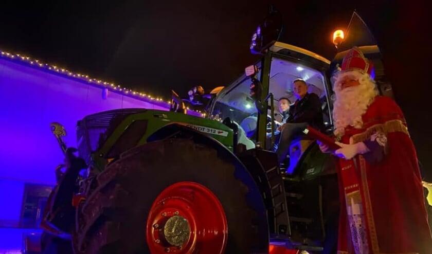 Sinterklaas in de drive through in Est