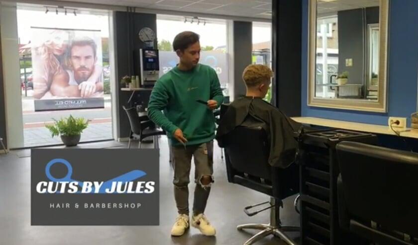 <p>Cuts by Jules is nieuw aan de Bornsestraat.&nbsp;</p>