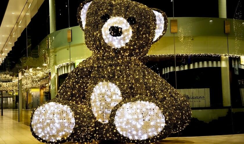 <p>De berenboom in winkelcentrum Scheepjeshof.</p>