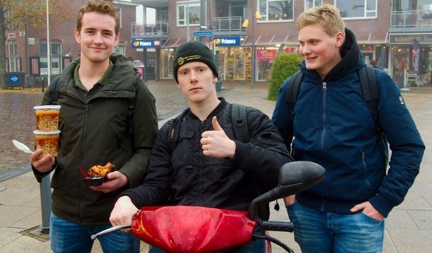 <p>V.l.n.r. Bjorn Mekenkamp, Jurgen Derksen en Jelle Beverdam: &#39;&#39;Blij dat er ook eens iets aan de jongeren zelf wordt gevraagd.&quot; (Foto: Gert Perdon)</p>