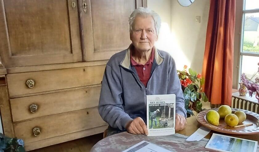 Gert van de Bospoort schreef de avonturen van een vitale opa van zich in 'Niet zeuren, gewoon doorgaan'.