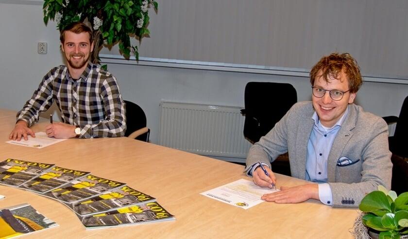 <p>Sjoerd Kwakkel (l. ) en Arnoud van Guilik ondertekenen de nieuwe Stersponsorovereenkomst</p>