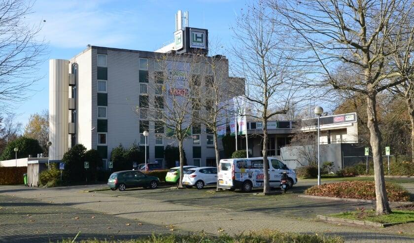 <p>De naam van het hotel op bedrijventerrein Breeven in best is al veranderd in LH Hotel.</p>