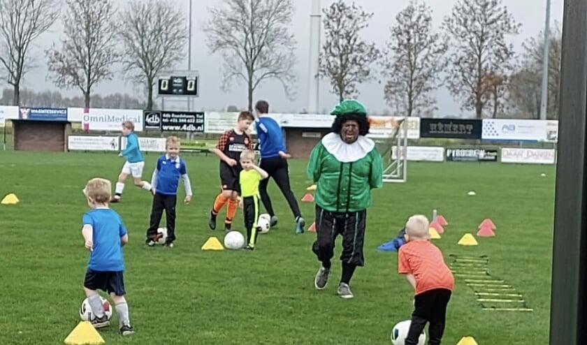 Piet bij Voetbalschool