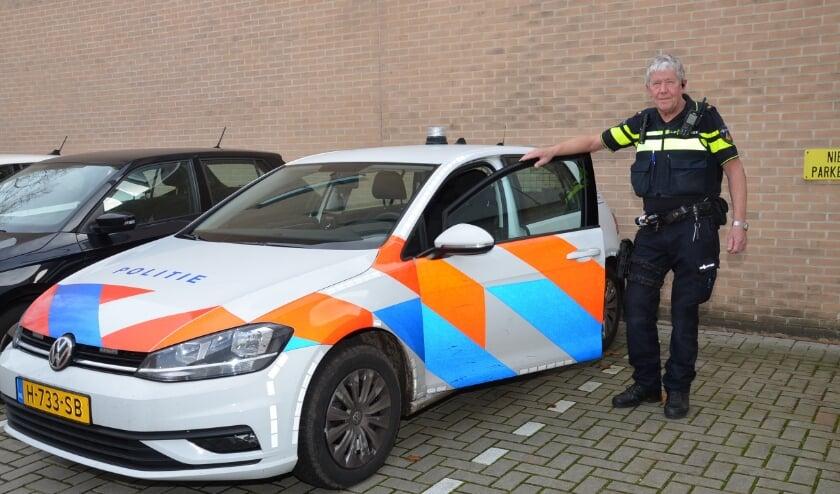 <p>Dirk van Vooren neemt na 41 jaar afscheid van de politie. Foto: Theo Louwers</p>