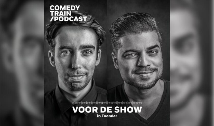Stand-upcomedian Stefan Pop en cabaretier Rayen Panday, met de podcast Voor de Show in Toomler