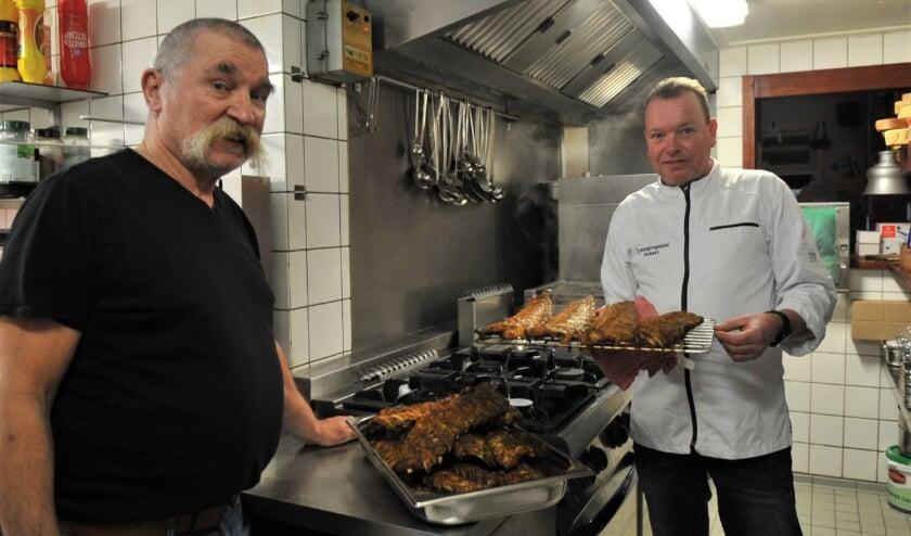 <p>Piet van der Steen en Robert van Wijk. Foto: Gert Budding.</p>
