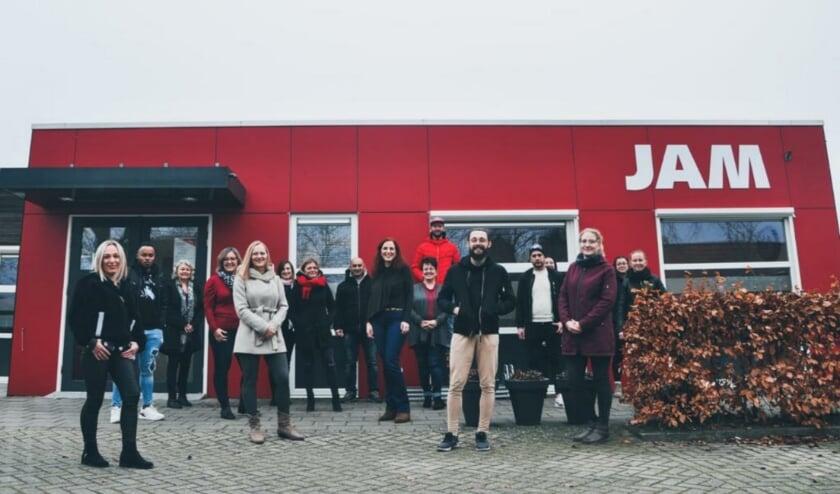 <p>Zaterdag, na afloop van de laatste les, ontvingen alle cursisten hun diploma bij JAM Harderwijk.</p>