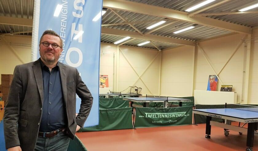 <p>Jan Ploeg nam in het jubileumjaar van TTV Shot, de voorzittershamer over van Frans Lambi.</p>