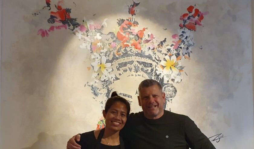 <p>Wat nou strenge lockdown? Het echtpaar Wayran en Joost van Vliet begint een Indonesisch restaurant. Foto: aangeleverd</p>