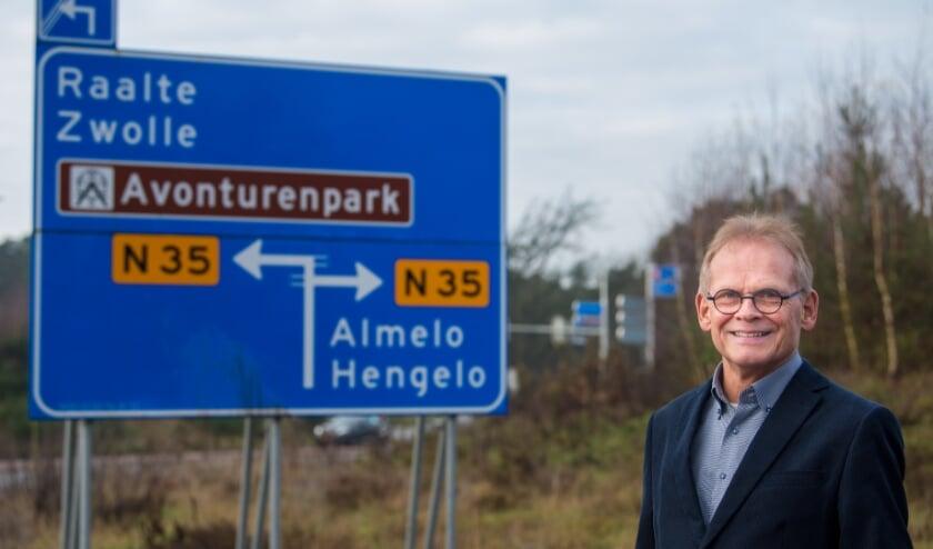 <p>Piet Jansen voorzitter van de Overijsselse Ombudscommissie (www.overijsselseombudsman.nl): &#39;Heb je een klacht over jouw gemeente? Meld die bij ons, en wij geven vervolgens een onafhankelijk onderdeel.&#39;&nbsp;</p><p>&nbsp; &nbsp; &nbsp; &nbsp; &nbsp; &nbsp; &nbsp;(Foto: Vladimir Fotografie)</p>