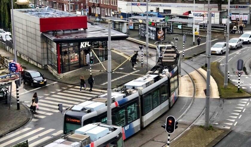 <p>Dit zou een echt plein moeten worden. Maar dat is nog een toekomstdroom. (Foto: Alliantie Hand in Hand)</p>