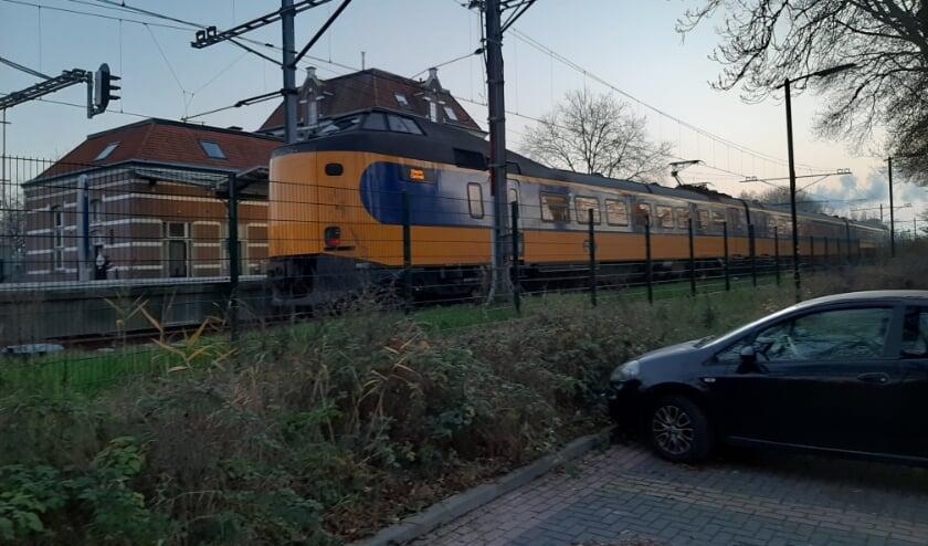 Intercitytreinstel bezoekt station Tiel