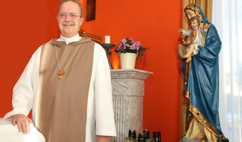 <p>P&egrave;re Theo is voorlopig te gast in het parochiehuis in Aalst.&nbsp;</p>