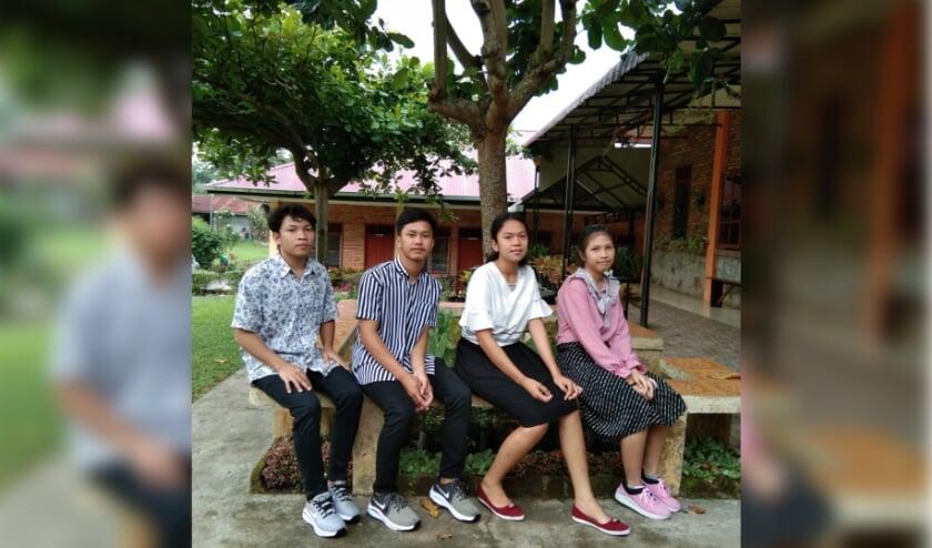 <p>De 4 studenten voortgezet- en universitair onderwijs.</p>