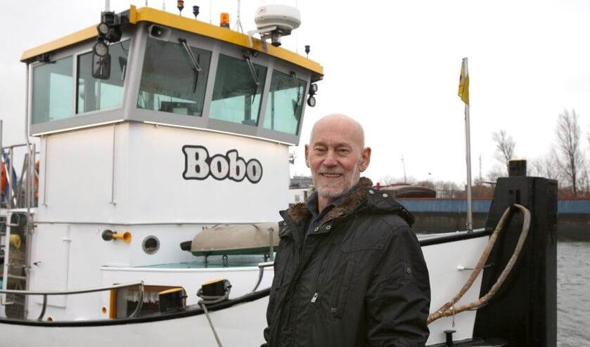<p>Schipper Albert Booij bij de Bobo, die ingezet kan worden voor allerlei klussen.</p>