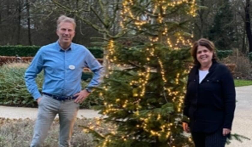 <p>Michiel Koning (l) en Mariëlle Pickkers vinden Kerstmis in het hospice mooi om mee te maken.&nbsp;</p>