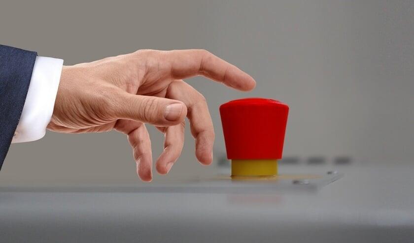 <p>Door op een knop te drukken komt er een melding binnen bij Stichting J&S, waarna er contact wordt opgenomen. (Foto: Priv&eacute;)</p>