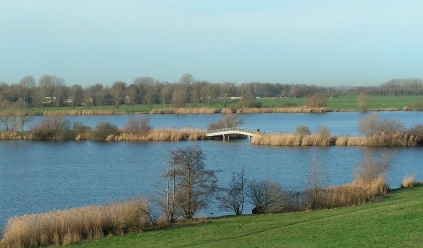 <p>In deze regio, Nieuwegein/IJsselstein en omstreken, is bijvoorbeeld een wandeling van 6 kilometer rond de Nedereindse plas. Foto: Loes Truijens</p>