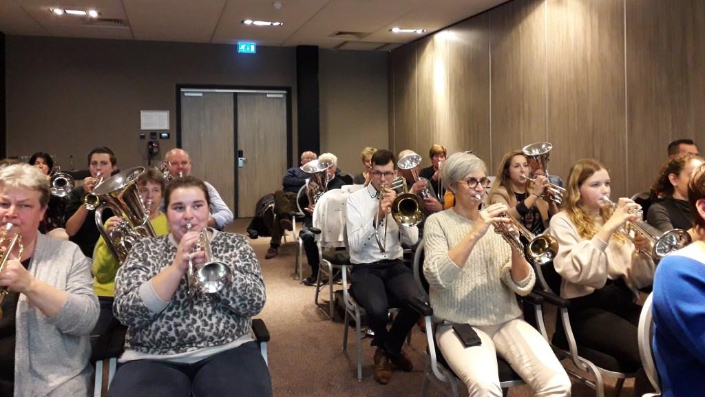 de deelnemers in actie Foto: Barbra Frenks © DPG Media