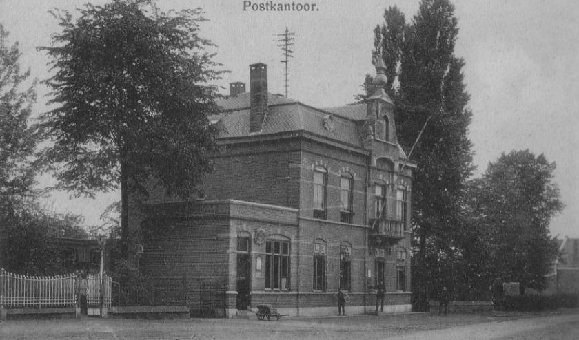 Het postkantoor aan de Stationstraat (Coll. Gemeente Valkenswaard).