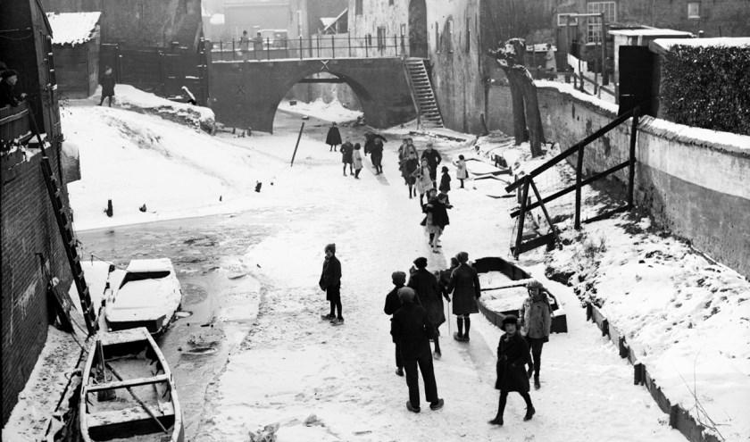 In februari 1929 kon er geschaatst worden op de Binnendieze. Foto: Fotopersbureau Het Zuiden